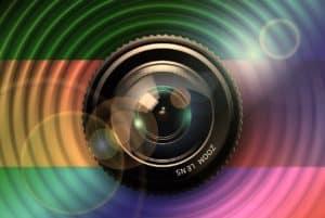 מצלמה עם בסיס צבעוני